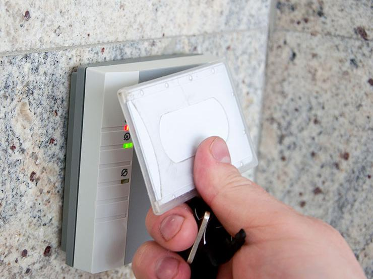 Scanning a security card on an access panel