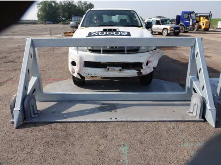 CLAW 300 Mobile Vehicle Barrier (single and pair)